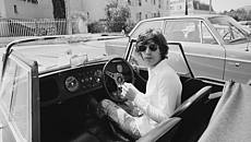 Mick Jagger al volante della Morgan Plus 8 Roadster © GettyImages