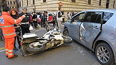 Incidente auto e scooter